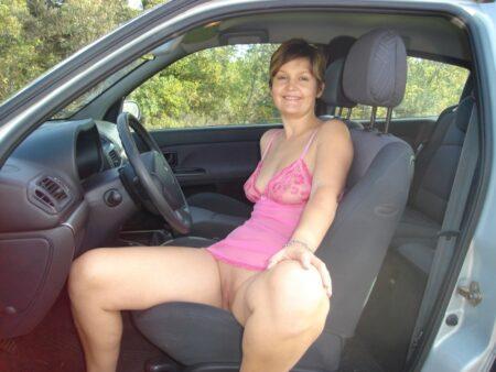 Femme cougar sexy dominante pour gars soumis