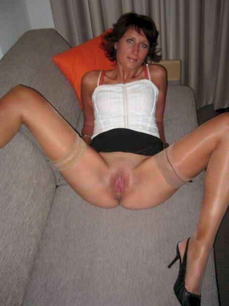 Femme sexy soumise pour mec clean fréquemment disponible